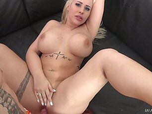 Tatted up Hungarian sexpot Kyra Hot loves mish fuck